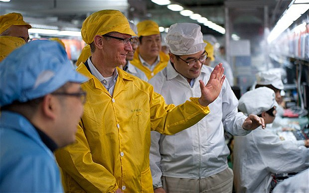 jobs-05_tim_cook-Foxconn_iPhone_factory_29March2012.jpg